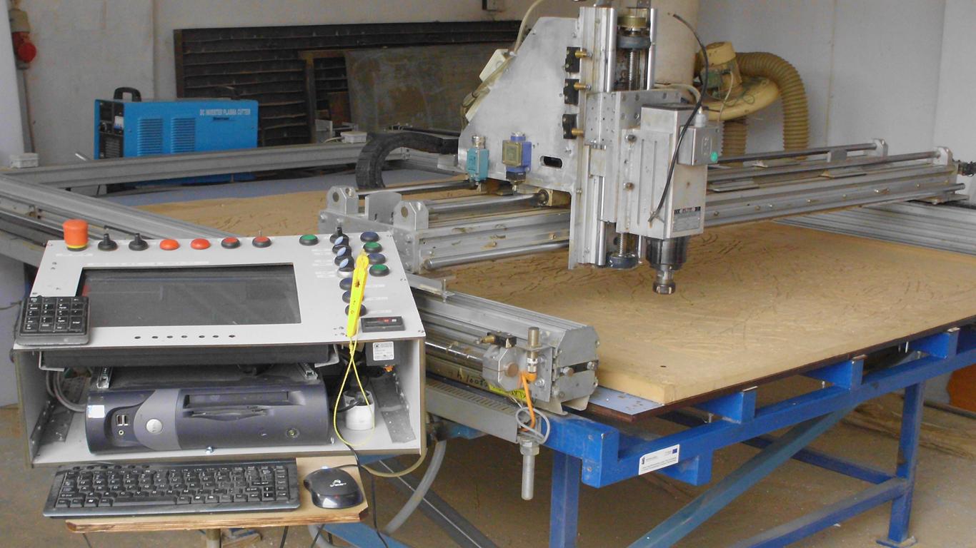 Ploter tnąco-frezujący CNC