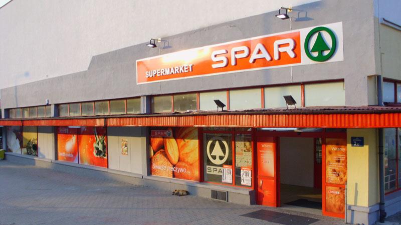 Sklep SPAR w Opatowie po montażu reklam